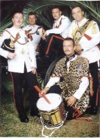 thumb_image_drum_major__drummers_of_the_rgbw_in_tropical_dress__cyprus.jpg